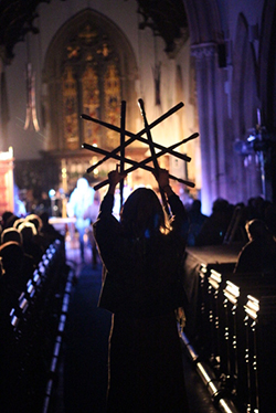 The star of Bethlehem, formed from the Butchers' swords